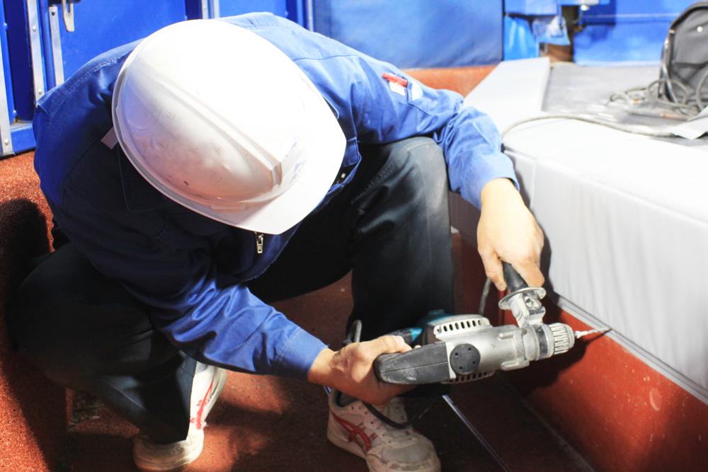 横浜スタジアム様 カメラマン席用スポーツ防護マット